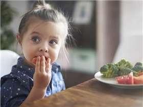 5 astuces pour faire manger des légumes aux petits