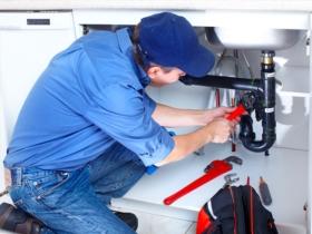Comment bien choisir son plombier pour éviter les mauvaises surprises ?
