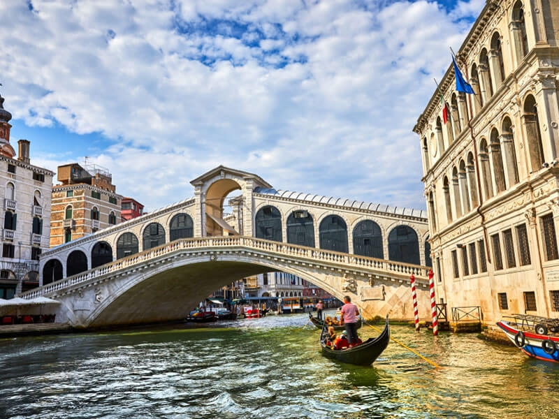 The 7 most romantic cities to spend Valentine's Day