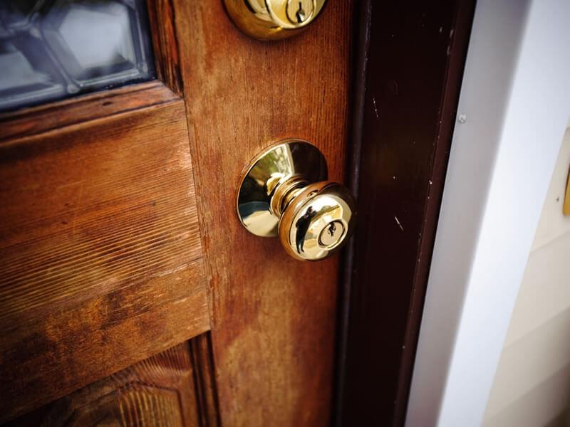 Des solutions pour ouvrir une porte claquée