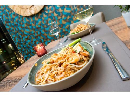 Le Pad thaï - un plat traditionnel thaïlandais