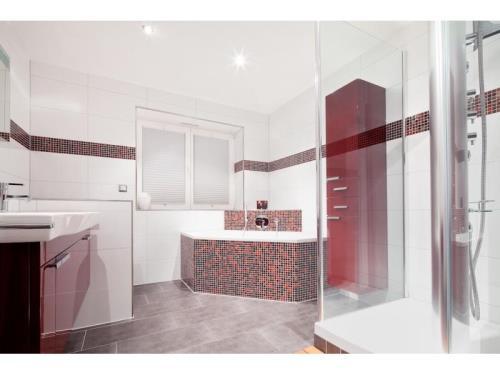 Badezimmer aus einer Hand