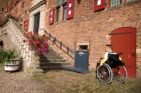Plateforme pour chaise roulante