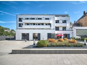Bâtiment résidentiel et commercial