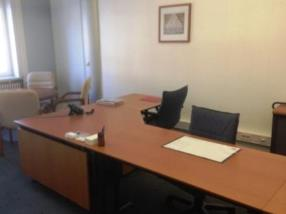 Très beau bureau entièrement équipé