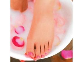 Spa pieds , gommage , enveloppement , masque, massage pieds