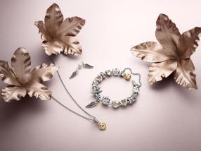 Bracelet, bague et collier Magnificent