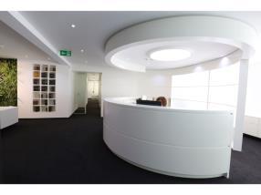 Desk d'accueil - Laqué, stratifié, vitré ou en Corian
