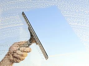 Nettoyage de surface vitrée, véranda et volets