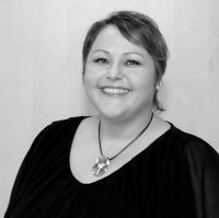Mme Isabelle Dardard-Arker