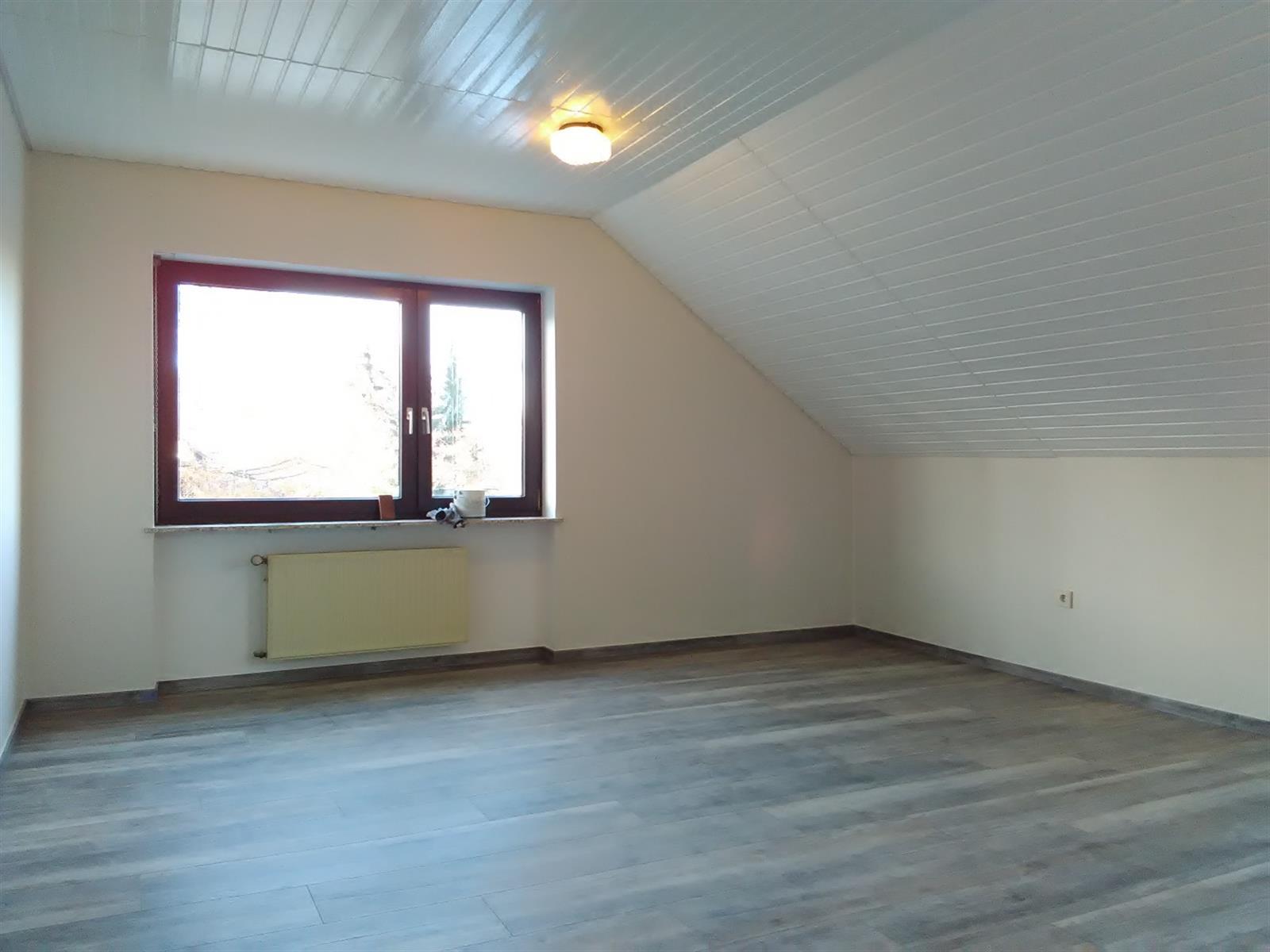 peinture orange paints painting services building editus. Black Bedroom Furniture Sets. Home Design Ideas